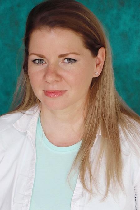 Dr. Gorka Eszter Andrea