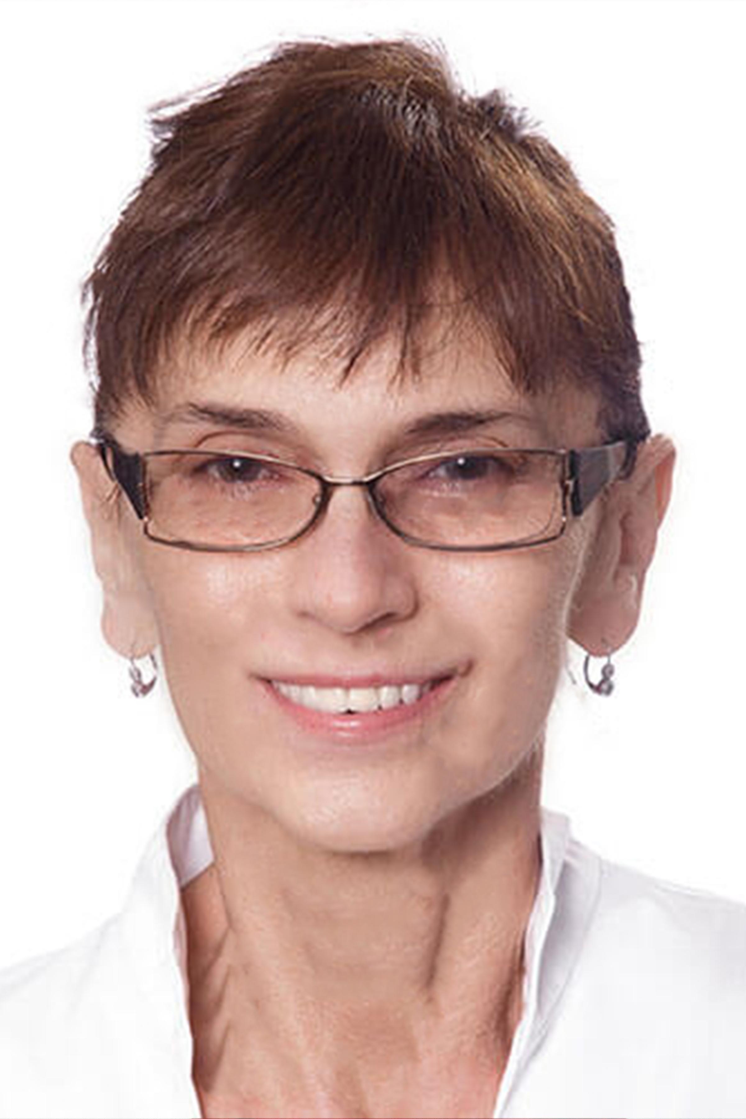 Dr. Csobay Ildikó